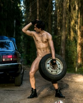 Broken car and gay outdoor pics