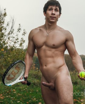 Nude beefy men pics from tennis training