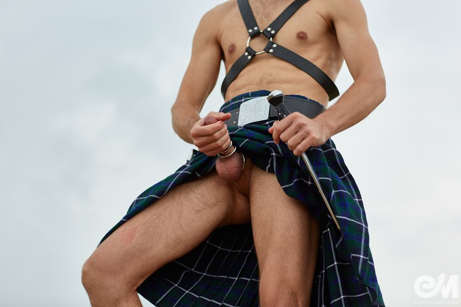 Kilt bulge and brutal dick porn with leather harness man
