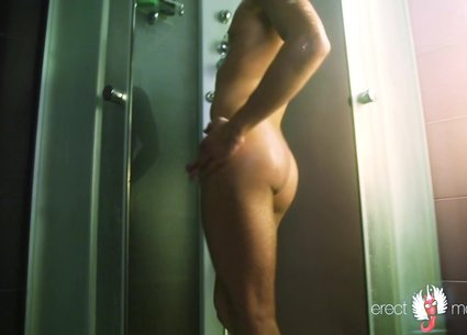 Hot male dancing and masturbation in the shower